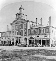 Toronto City Hall (1868) Old, old city hall 2011125-Toronto_City_Hall_1868.jpg