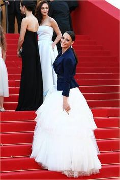 Cannes Fashion: Bérénice Bejo. (Great look for when if you do one of our photo tours through Paris after your ceremony!) -bridal ideas