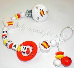 """Schnullerkette mit Namen """"Fußball-WM """" Spanien von baby name for u auf DaWanda.com"""