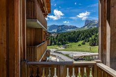Une résidence situé au pied des montagnes  ©Robert Palomba Photographe