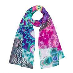 http://www.parlatobags.it/it/foulard-desigual/1503-foulard-desigual-matematicas-51w53h4.html