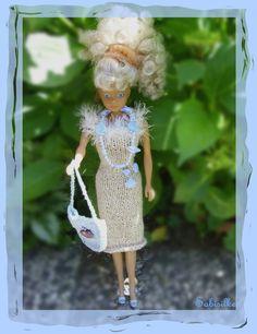 Spielzeug - - gestricktes Kleid + Tasche für Barbie  - ein Designerstück von Sabisilke bei DaWanda