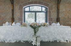 Brauttischdekoration in blush, peach, weiß  Foto: Nicole Mattinger