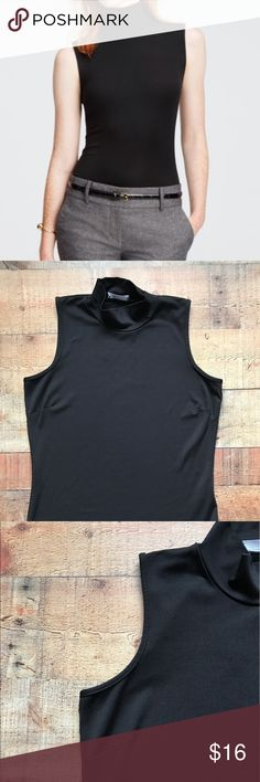 """Liz Claiborne Sport Turtleneck Sleeveless Top Gently used top. Great with dress pants and skirts. Measurements are 22"""" Long, 17"""" bust, 15.5"""" waist and an 7"""" arm opening. Liz Claiborne Tops Blouses"""