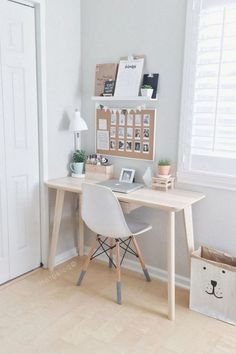 48 Elegant Office Decor Ideas For Small Apartment apartment.club 48 Elegant Office Decor Ideas For Small Apartment The post 48 Elegant Office Decor Ideas For Small Apartment apartment.club appeared first on Wohnung ideen. Small Apartment Bedrooms, Small Apartment Decorating, Apartment Desk, Apartment Interior, Apartment Hacks, Apartment Layout, Basement Bedrooms, Apartment Living, Room Interior