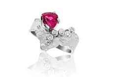 "Ring White Gold and Red Spinel ""Bellisima"""