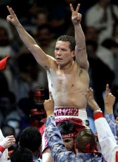 """JULIO CESAR CHAVEZ ...  Won 107 Lost 6, 2 draws, 80 KO ... His record speaks for itself. Chavez is a Mexican legend who has gone over ten years straight without a loss. He was known as a tough as nails fighter who would always bring a great fight to the table. Chavez has earned himself the uncontested distinction of being recognized as """"Mexico's Greatest Fighter""""......El Chingon !"""