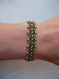 Macrame bracelet made with resistant waxed thread & brass