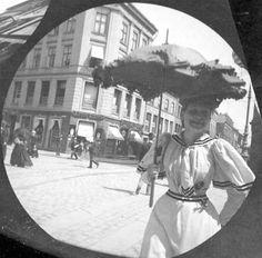 Karl Johan's street in Oslo (Norway) 1890s - street photography by Størmer