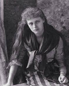 Life of Maeve de Markievicz daughter of Constance Gore-Booth and Casimir Markievicz, from Sligo's history, heritage and folklore specialist Joe McGowan in Sligo Ireland Images Of Ireland, Film Images, Professional Painters, Irish Girls, Suffragette, Irish Blessing, Married Men, Old Women, Celtic