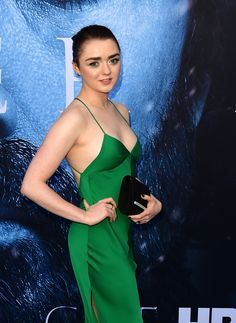 Hollywood Youngest Actresses / Hollywood Teenage Actresses / Hollywood Young Female Actress / Young actress / Hollywood Under 25 Actresses Name List with Photos Maisie Williams Sophie Turner, Beautiful Celebrities, Beautiful Actresses, Beautiful Women, Cinema Tv, My Sun And Stars, Young Actresses, Chloe Grace, Famous Women