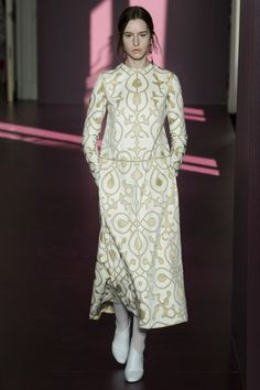 View the entire Fall 2017 couture collection from Valentino.