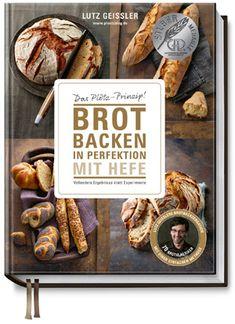 Brot in Perfektion | brotbackbuch.de Pulled Pork, Place Card Holders, Ethnic Recipes, Food, Bread Baking, Food Food, Shredded Pork, Essen, Meals