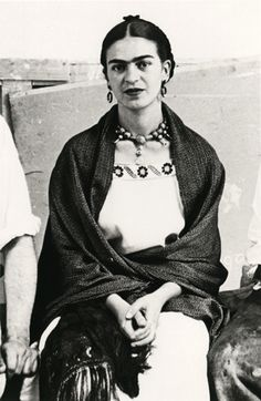 Close Up of Frida Kahlo, New Worker's School, New York City, 1933 - photo Lucienne Bloch