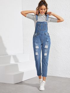 Ripped Pocket Front Denim Overall Overalls Fashion, Denim Outfit, Denim Fashion, Long Overalls, Cute Overalls, Overalls Women, Girls Fashion Clothes, Teen Fashion Outfits, Emo Fashion