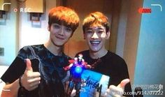 Luhan and Chen from Happy Camp VCR.   With new EXO member in the middle xD pic.twitter.com/u9FQ9m3O7Q