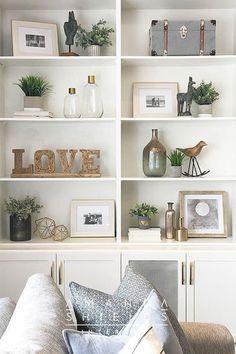 Styling Bookshelves, Decorating Bookshelves, Bookshelf Design, Bookshelf Ideas, Bookcases, Home Living Room, Living Room Designs, Plants In Living Room, Built In Shelves Living Room