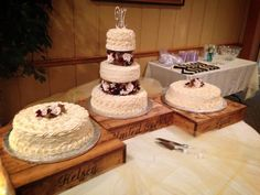 Wooden Board Cake Stands for a Rustic Touch or Shabby Chic