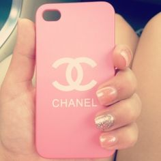 love the phone case and the nails!