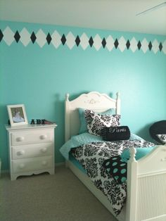 Tiffany and Co Bedroom Ideas | painted french looking harlequins around the top