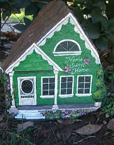 Cottage Painted On a Rock - Yahoo Image Search Res. Cottage Painted On a Rock – Yahoo Image Search Results Pebble Painting, Pebble Art, Stone Painting, House Painting, Painted Pavers, Hand Painted Rocks, Painted Stones, Rock Painting Patterns, Rock Painting Designs