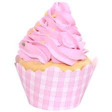 Cute to pop some cupcakes in to coordinate with pink cake!