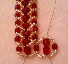 Double Row Flat Spiral Stitch Bracelet Tutorial | MyAmari    For more spiral stitch tutorials - http://www.beadinggem.com/2009/01/spiral-stitch-bead-tutorials.html