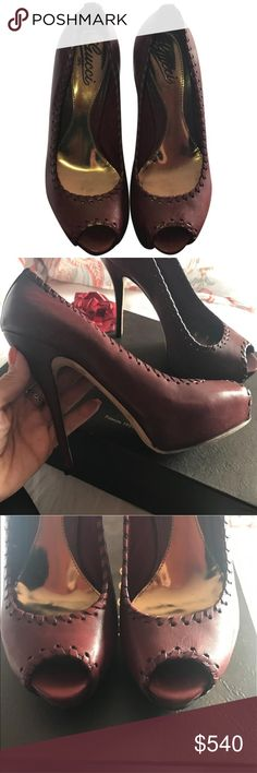 29f670959bc70d Gucci Peeptoe (La Cura Del Prodotto) Authentic Beautiful leather burgundy  peep toe platform heel (5 inches) These were a Birthday gift but  unfortunately ...