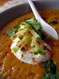 Velouté carottes et lentilles corail à la pomme verte. Plus de recettes ici : http://www.enviedebienmanger.fr/recettes/soupes