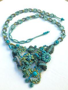 Déclaration bleu perles collier Set / bavoir collier / forme libre Peyote collier