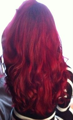 Rotes Haar Loreal Hicolor Magenta Make-up-Haar Loreal Hi Color Magenta, Magenta Hair Dye, Red Hair Color, Red Hair Without Bleach, Red Hair Loreal, Red Hair Inspiration, Bright Hair Colors, Colorful Hair, Updos