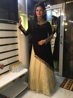 24 new ideas dress winter outfit wedding Pakistani Dresses Casual, Indian Gowns Dresses, Indian Outfits, Mehendi Outfits, Stylish Dresses, Simple Dresses, Casual Dresses, Fashion Dresses, Winter Dress Outfits
