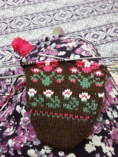 Winter Hats, Christmas Ornaments, Holiday Decor, Zapatos, Manualidades, Christmas Jewelry, Christmas Decorations, Christmas Decor