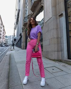 Color Combinations For Clothes, Color Blocking Outfits, Fashion Pants, Look Fashion, Fashion Outfits, Colourful Outfits, Colorful Fashion, Pink Pants Outfit, Stylish Outfits
