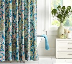 gorgeous paisley shower curtain  http://rstyle.me/n/jnetmpdpe