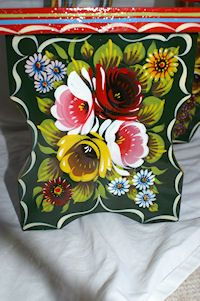 Phil offers comprehensive canal boat painting services for new narrowboats and re-paints. Barge Boat, Canal Barge, Acrylic Painting Flowers, Boat Painting, Flower Mural, Flower Art, Caravan Paint, Canal Boat Art, Norwegian Rosemaling