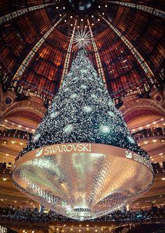 The Christmas Tree From the Galeries Lafayette - Paris - | 相片擁有者 Monsieur Edward