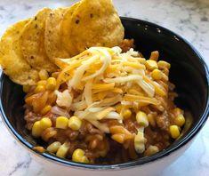 Dette er en enkel og smakfull tacogryte, for små og store som er glad i taco. Tex Mex, Chana Masala, Cake Recipes, Tacos, Food And Drink, Pizza, Lunch, Vegan, Cookies