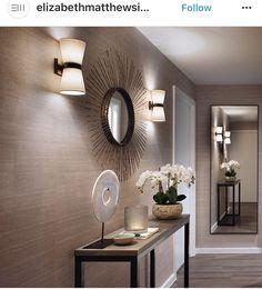 Papel pintado Hall Console Table, Living Room Decor, Bedroom Decor, Hallway Decorating, Ideal Home, Diy Home Decor, Sweet Home, New Homes, Interior Design