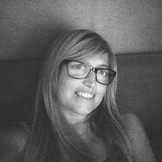 SARA BARACCANI Graphic Designer, Social Media Manager. Un coniglietto, un iphone, un'insaziabile curiosità e sempre 1000 idee per la testa. Ama parlare per immagini, Instagram addicted. :)