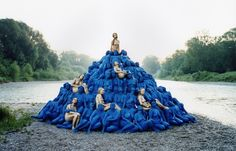 www.juxtapoz.com always have some super cool art/illustration articles. This one is a particular goody as it's an in depth article about SPENCER TUNICK. Photographer/artist that takes these amazing photos, using groups of naked people in public places. Love !!
