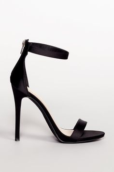 If you want to learn the 10 most common heel types on women's shoes, we go over the most popular heels. Read more to learn how to buy heels. Open Toe Boots, High Heel Boots, Strap Heels, Pumps Heels, Ankle Straps, Cute Shoes, Me Too Shoes, Splendid Shoes, Prom Shoes