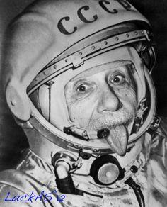 Альберт Эйнштейн - космонавт. (Albert Einstein - astronaut).
