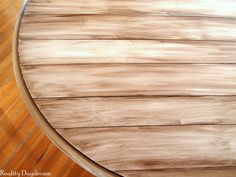 Faux wood planked table top using paint and stain to create a woodgrain look {Sawdust and Embryos} Painting Fake Wood, Faux Wood Paint, Stain Wood, Chalk Paint, Diy Table Top, Make A Table, Plank Table, Wood Table, Dinning Table