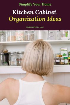 ideas to organize kitchen cabinets Bedroom Organization Diy, Kitchen Cabinet Organization, Kitchen Cabinets, Diy Garage, Diy Kitchen, Storage Ideas, Home Kitchens, Organize, Lady