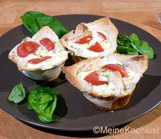 Herzhafte Muffins mit Ricotta - tasty muffins with ricotta  Diese schmackhaften Muffins können als Snack, als Vorspeise oder als Teil eines Frühstücksbuffets oder Brunchs gereicht werden.