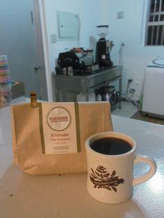 アメリカ・ミネアポリスから届いたばかりの  広島コーヒー教室でも使用しました    エルサルバドル Guachipilin  ブルボン種、カツーラ種 1200m    ミックスベリーのようなみずみずしく甘いフルーツの風味♪  スイートスパイスの印象も。