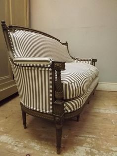 antique stripped sofa    Beautiful stripped sofa