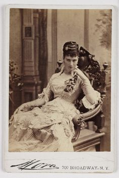 soyouthinkyoucansee: Soyouthinkyouvcansee A cabinet card photograph of a young woman posed in a chair, taken by Jose Maria Mora in about Victorian Photos, Victorian Women, Antique Photos, Vintage Pictures, Vintage Photographs, Old Pictures, Victorian Era, Old Photos, Victorian Photography