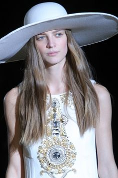 #Hairstyling: tutti i trend per la prossima stagione – #FaustoPuglisi #LorealProfessionel #Hairstyle http://www.theauburngirl.com/hairstyling-scoprite-tutte-le-tendenze-per-la-prossima-stagione/ TheAuburnGirl